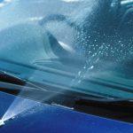 車のウォッシャー液は水で代用できる!?凍る心配は無いの?